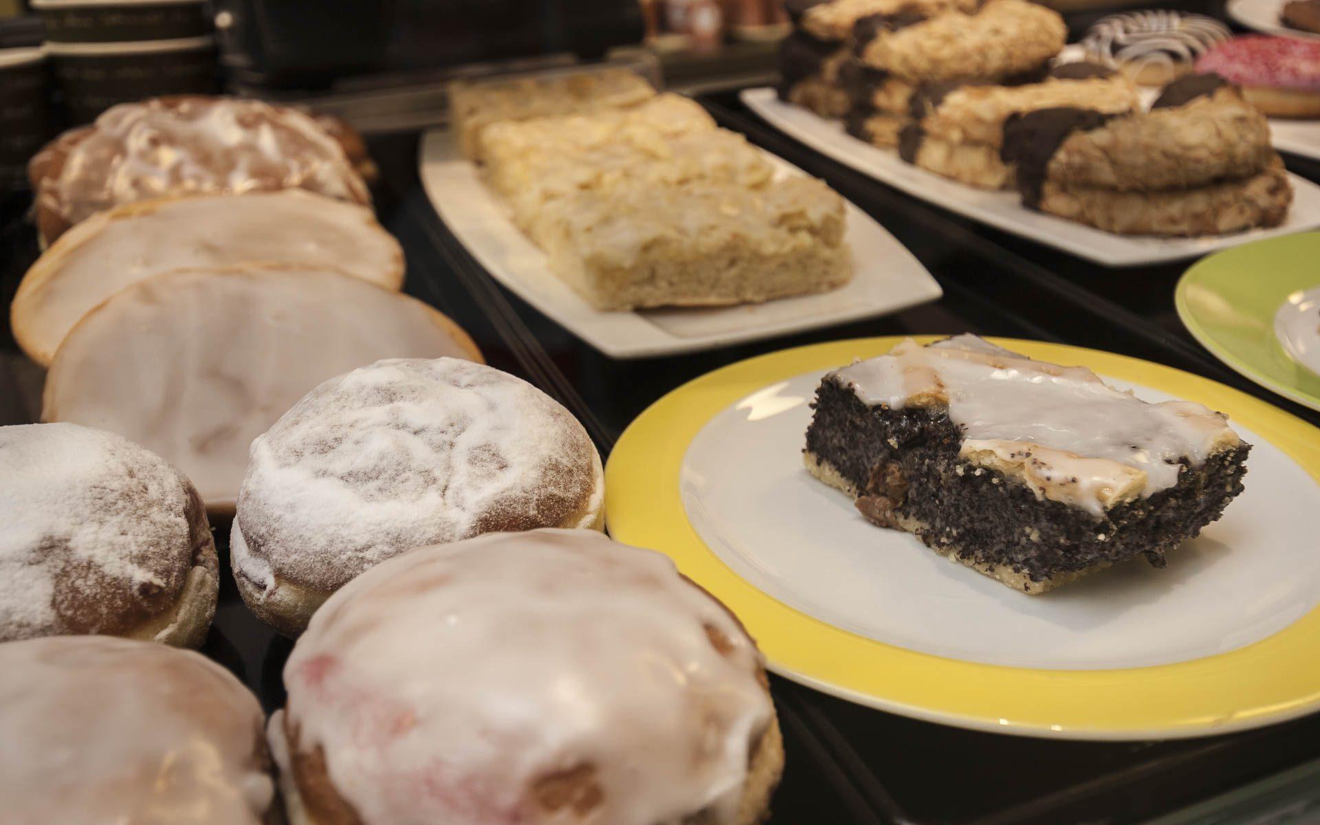 Wally's – Kuchen, Berliner, Mandelhörnchen